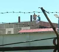 Cum ajung detinutii pe acoperisurile inchisorilor si cat de grava e situatia din penitenciare
