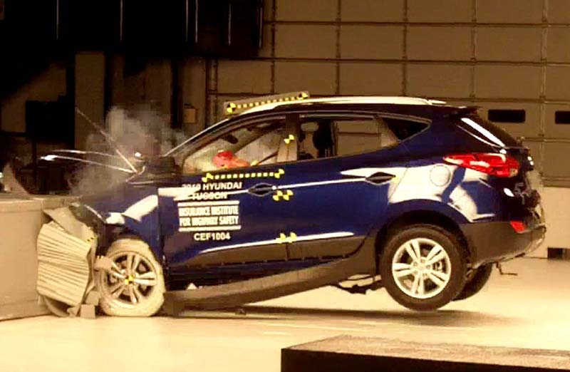 IIHS Hyundai Tucson crash test