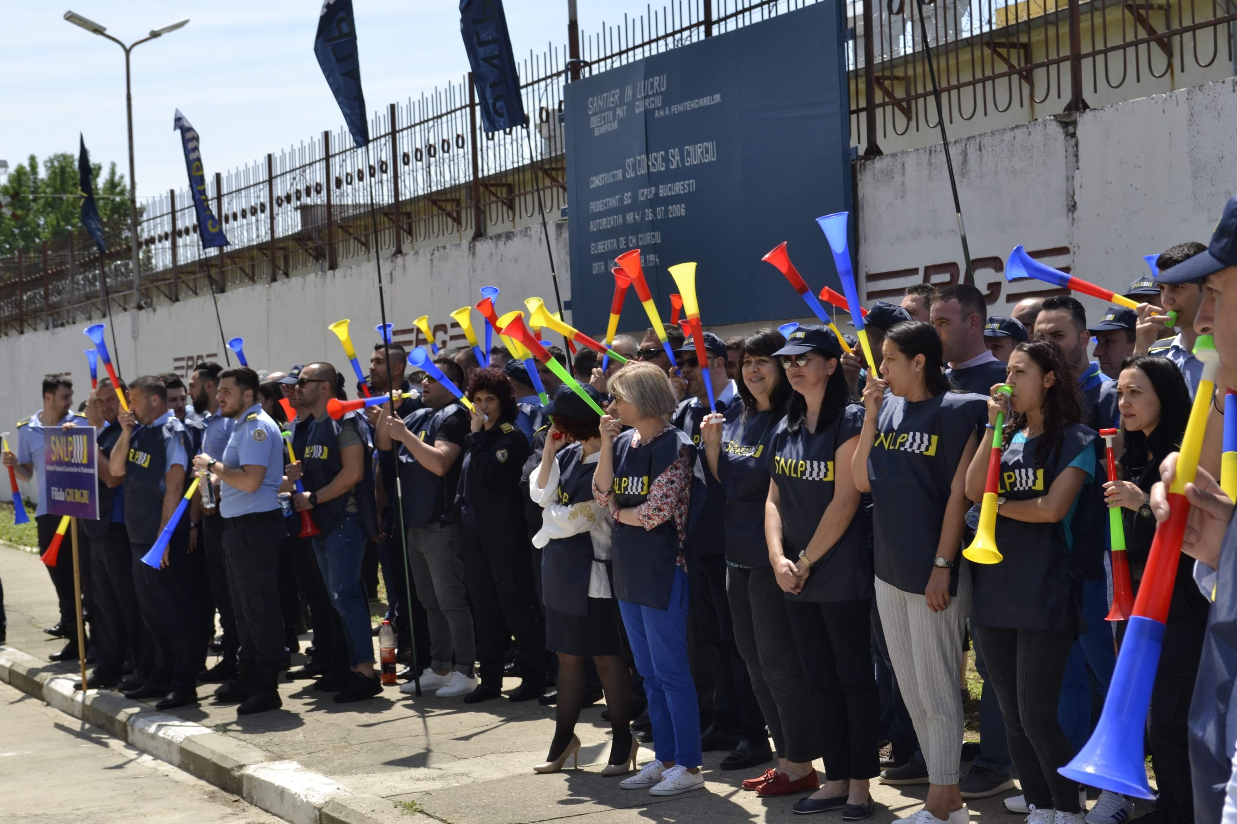 Stopam munca fortata! Au protestat azi: 130 – SNLP Gherla si 160 – SNLP Giurgiu